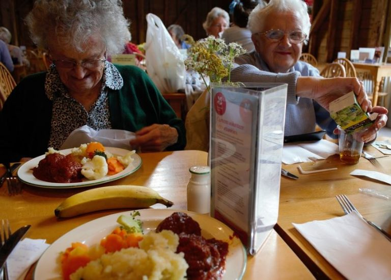 Taking A Senior Out For A Meal And What You Should Consider