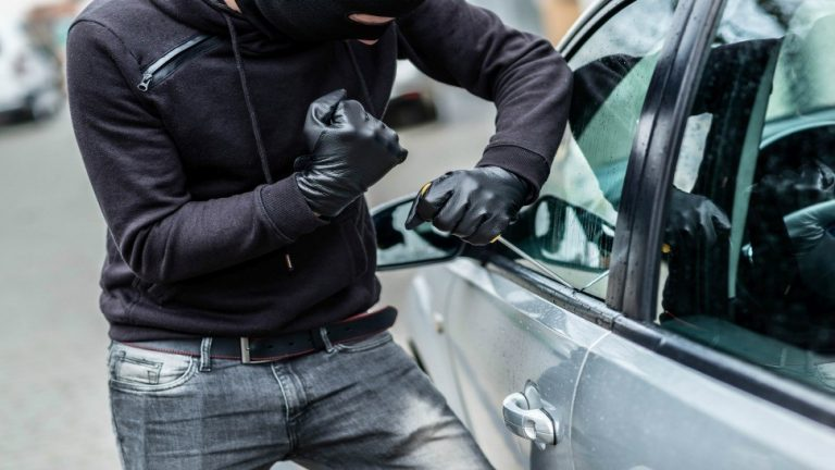 1 In 4 AA Members Don't Think About Car Crime According To New AA Survey