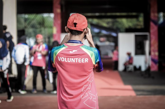 Seniors Lifestyle Magazine Talks To Volunteering With Seniors