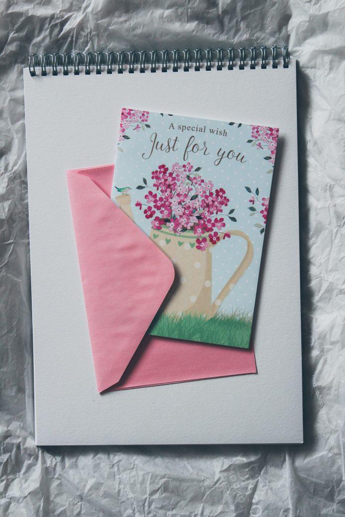 Seniors Lifestyle Magazine Talks To Do You Still Use Greeting Cards?