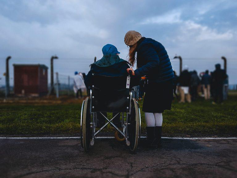 Tips for Choosing the Best Mobility Equipment for the Elderly